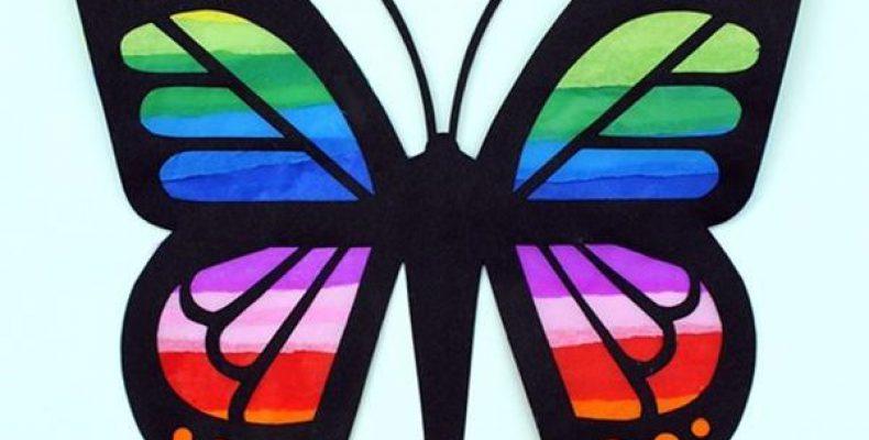 Бабочка из цветной бумаги