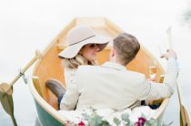 Романтическая весенняя фотосессия на озере