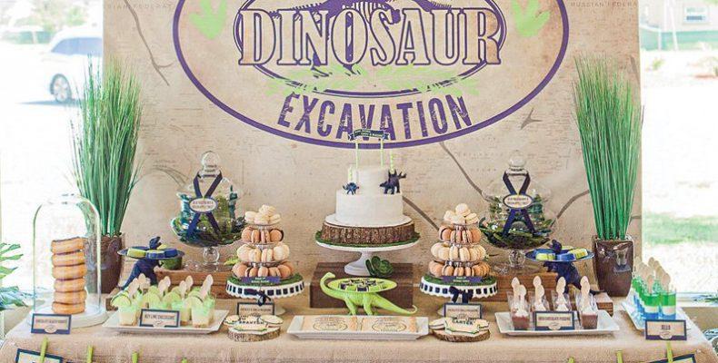 «Я — тираннозавр, хищник с острыми зубами!»